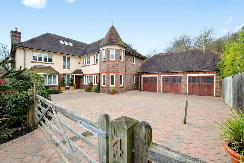 6 Bedrooms Detached House for sale in Duggan Drive, Chislehurst