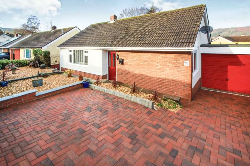 2 Bedrooms Bungalow for sale in Stephens Crescent, Govilon, Abergavenny, NP7