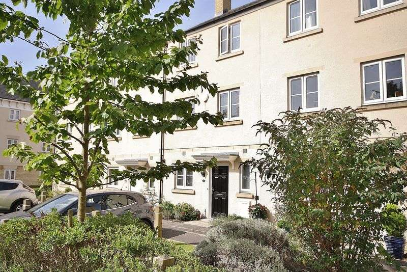 3 Bedrooms Property for sale in Ashcombe Crescent, Witney