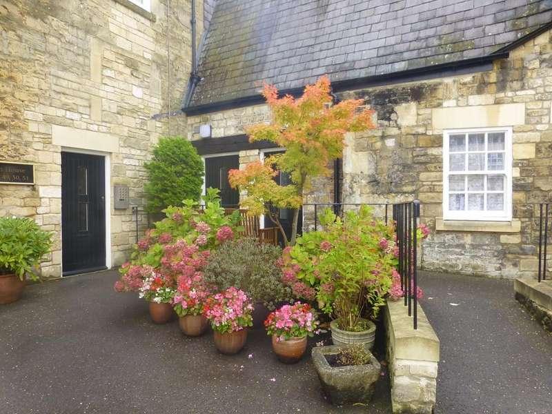 2 Bedrooms Maisonette Flat for sale in Abbey Mill, Bradford On Avon