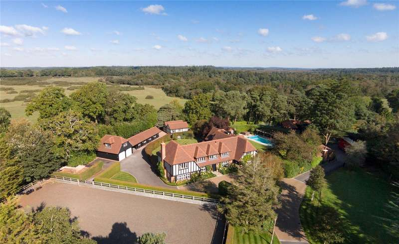5 Bedrooms Detached House for sale in Tiptoe Road, Wootton, New Milton, Hampshire, BH25