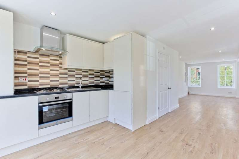 1 Bedroom Flat for sale in Comber Grove, Camberwell, London, SE5