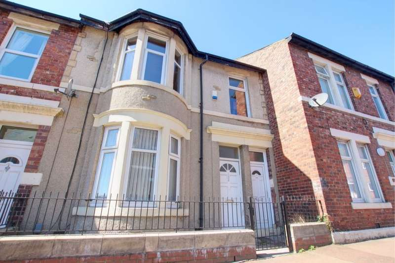 4 Bedrooms Flat for sale in Rodsley Avenue, Bensham, Gateshead, NE8