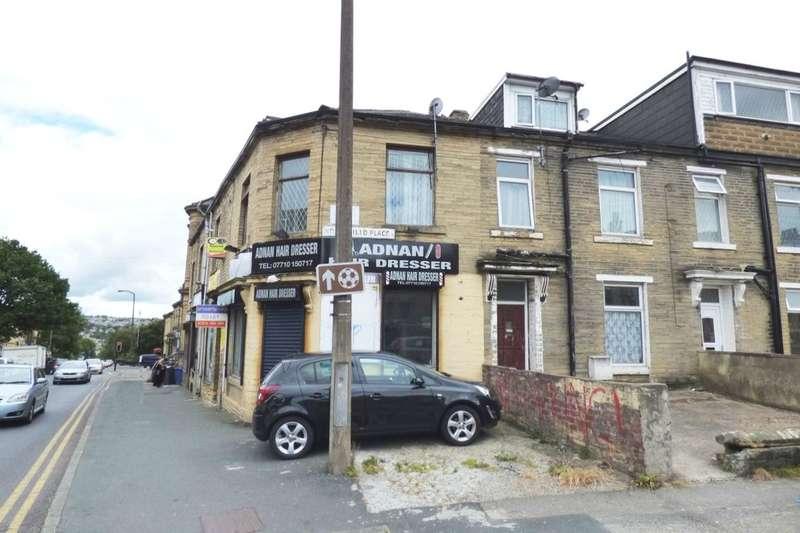 3 Bedrooms Flat for rent in Carlisle Road, Bradford, BD8