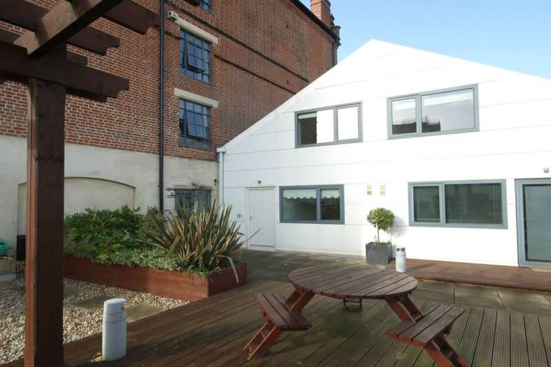 2 Bedrooms Flat for sale in St. Stephens Square, City Centre , Norwich, NR1