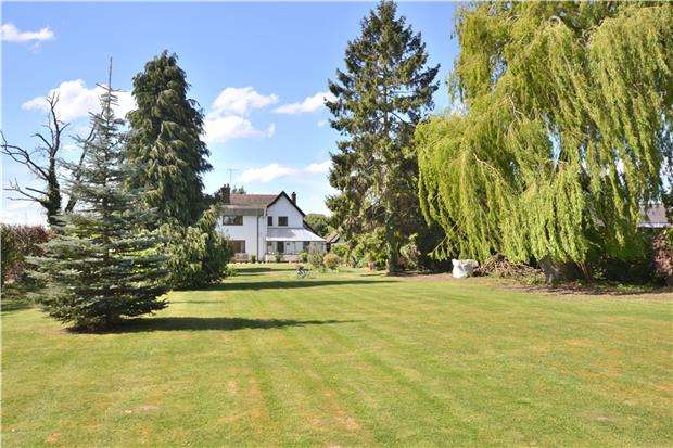 4 Bedrooms Detached House for sale in Elmstone Hardwicke, GL51 9SY