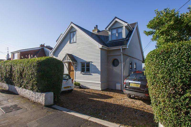 4 Bedrooms Detached Bungalow for sale in South Road, Sully