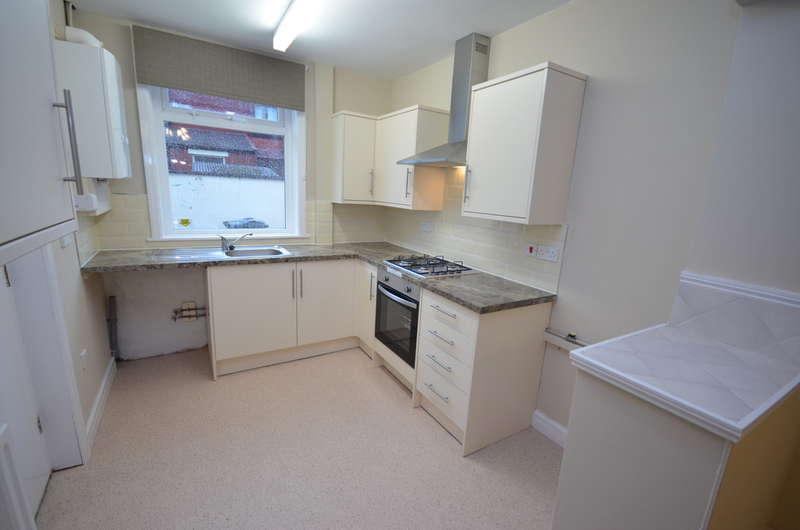 2 Bedrooms Terraced House for rent in Baron Street, Sunnyhurst, Darwen
