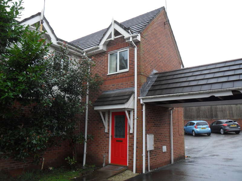2 Bedrooms Town House for rent in Sidlaw Close, Oldham