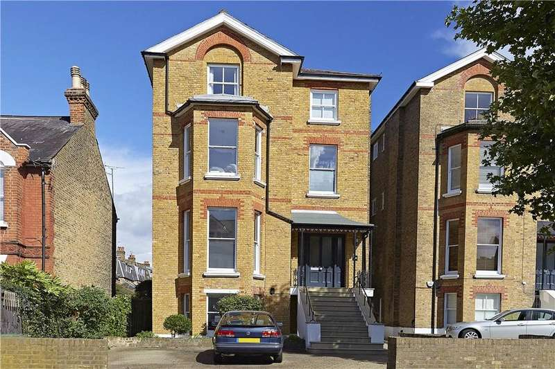 2 Bedrooms Flat for sale in Onslow Road, Richmond, TW10
