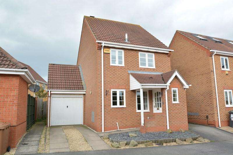 3 Bedrooms Detached House for sale in Borkum Close, Andover