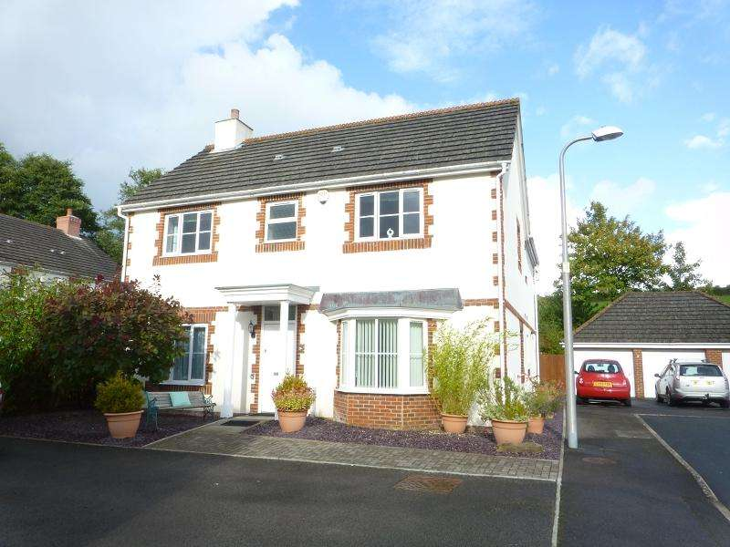 4 Bedrooms Detached House for sale in Erwr Brenhinoedd , Llandybie, Ammanford, Carmarthenshire.