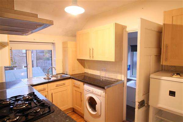2 Bedrooms Apartment Flat for rent in Hooley
