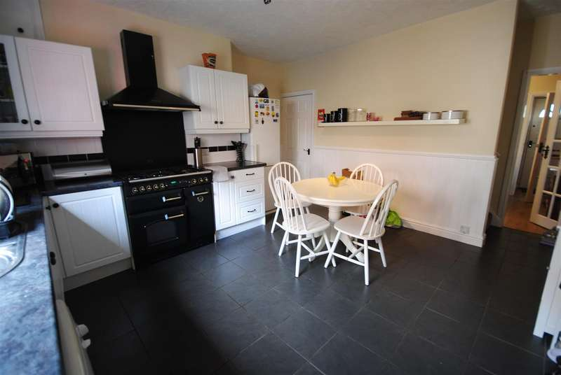 2 Bedrooms Terraced House for sale in Frederic Street, Wigan
