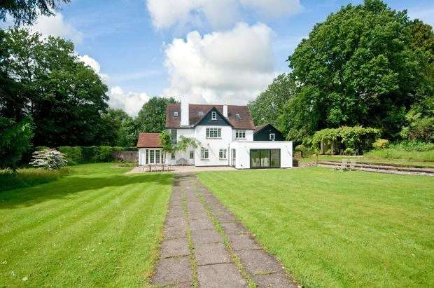 5 Bedrooms Detached House for sale in Franksfield, Peaslake, Guildford, Surrey, GU5