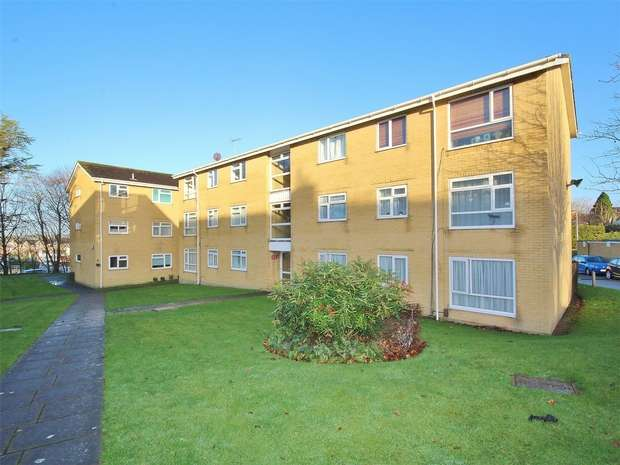 2 Bedrooms Flat for sale in 2 Gibson Road, Canford Heath, POOLE, Dorset