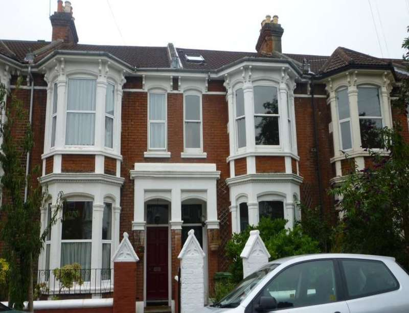 6 Bedrooms Property for rent in St. Davids Road, Southsea, PO5