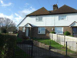 3 Bedrooms Semi Detached House for sale in Bellhurst Cottages, Bellhurst Road, Robertsbridge, East Sussex