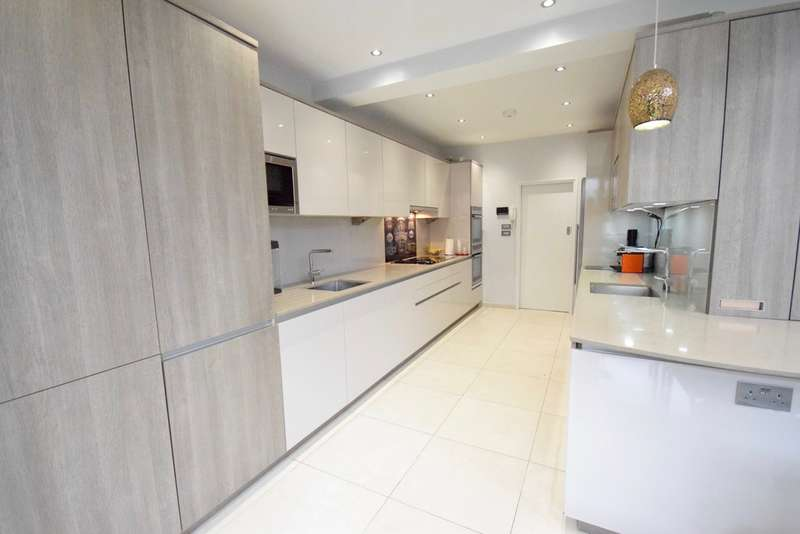 5 Bedrooms Semi Detached House for sale in BRIDGE LANE, TEMPLE FORTUNE, LONDON, NW11