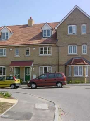 3 Bedrooms Terraced House for rent in Wedgwood Road, Weymouth, Dorset, DT4 0GB