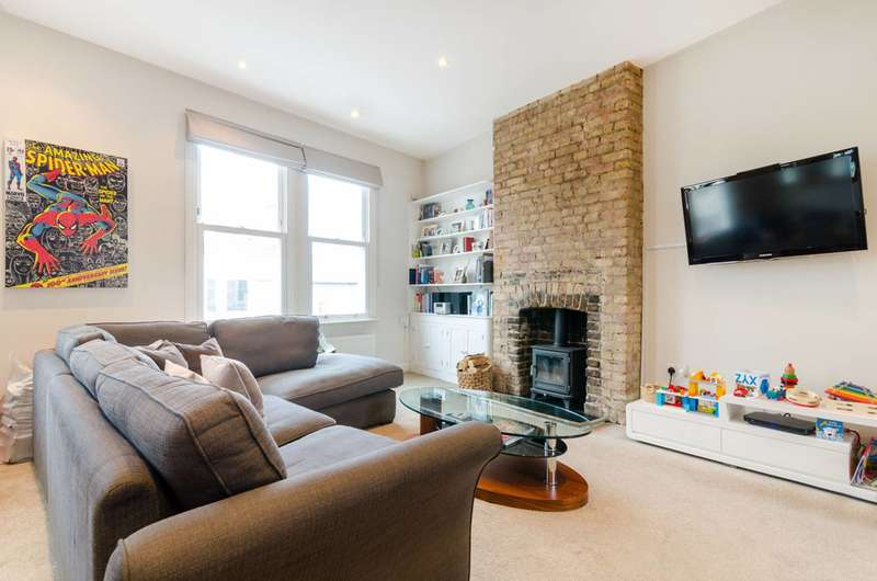 2 Bedrooms Maisonette Flat for sale in High Street, Hampton Wick, KT1