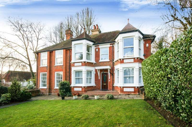 4 Bedrooms Flat for sale in Hills Lane House , Northwood