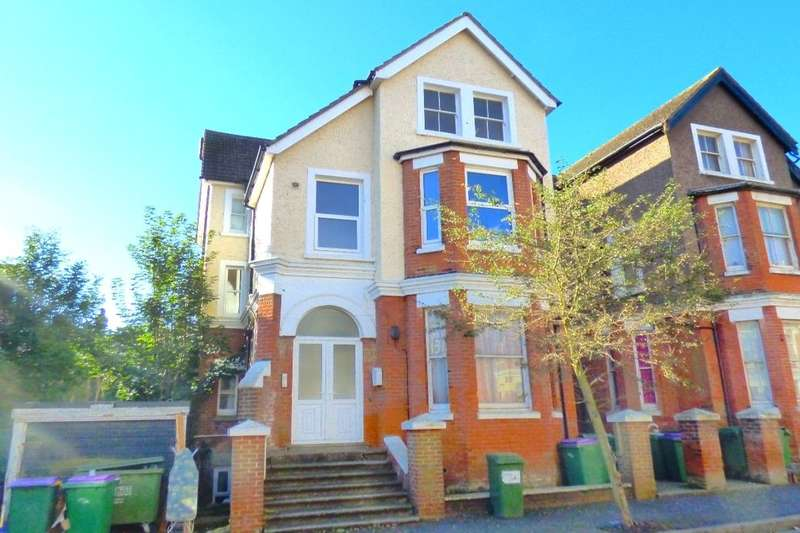 1 Bedroom Flat for sale in Westbourne Gardens, Folkestone, CT20