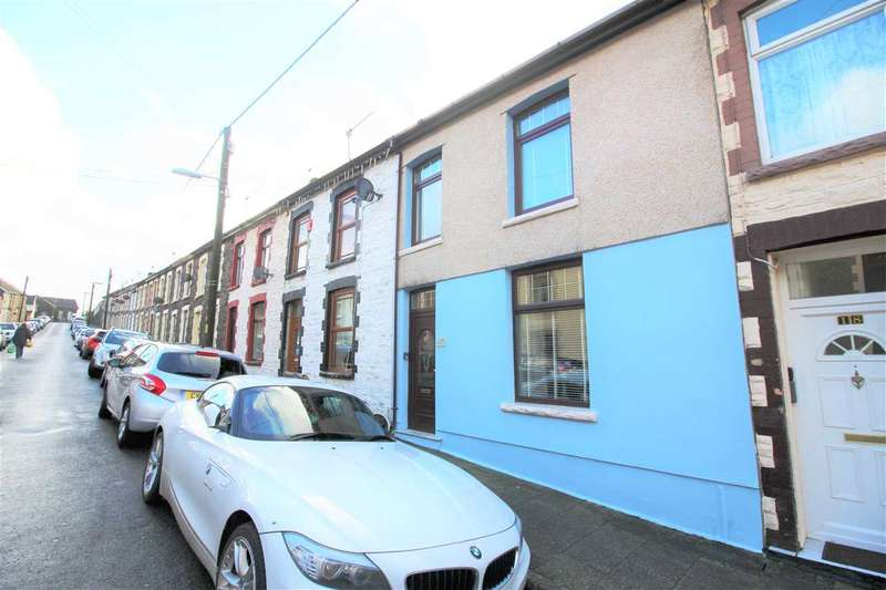 4 Bedrooms Terraced House for sale in Hughes Street, Penygraig, Tonypandy