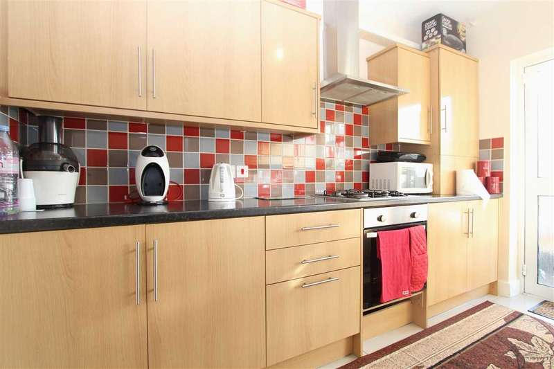 2 Bedrooms Apartment Flat for sale in Queensbury Circle Parade, Stanmore