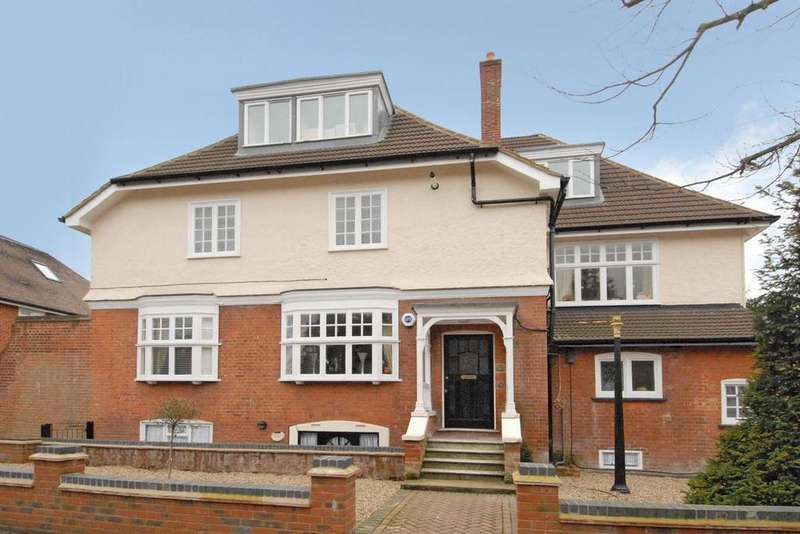 Studio Flat for sale in Park Hill, Bickley