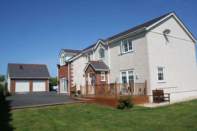 5 Bedrooms Detached House for sale in Ty Croes, Anglesey