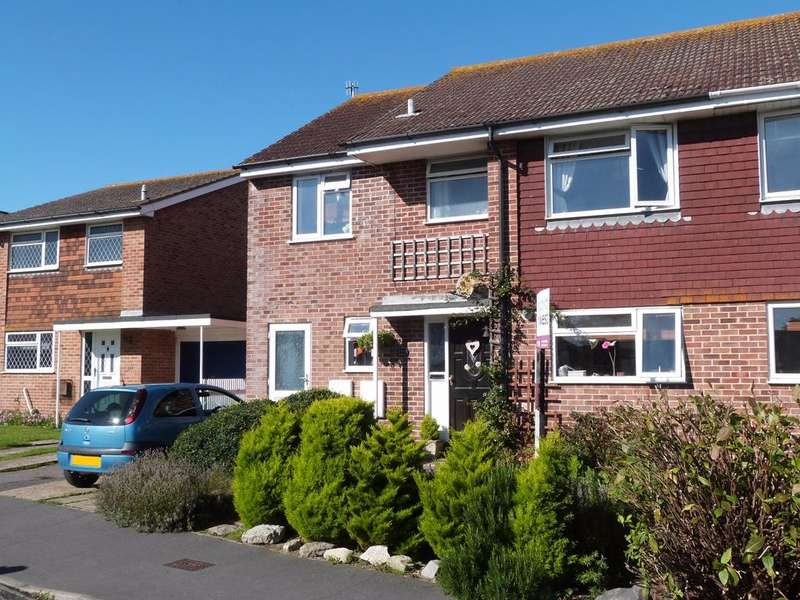 5 Bedrooms Semi Detached House for sale in Gainsborough Drive, Selsey