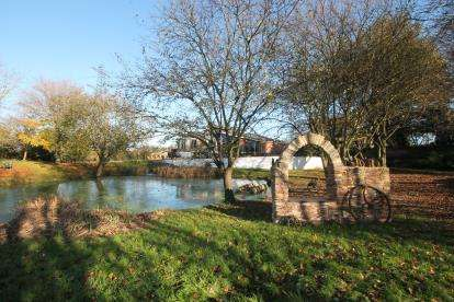 4 Bedrooms Bungalow for sale in Westerleigh Road, Westerleigh, Bristol, South Gloucestershire