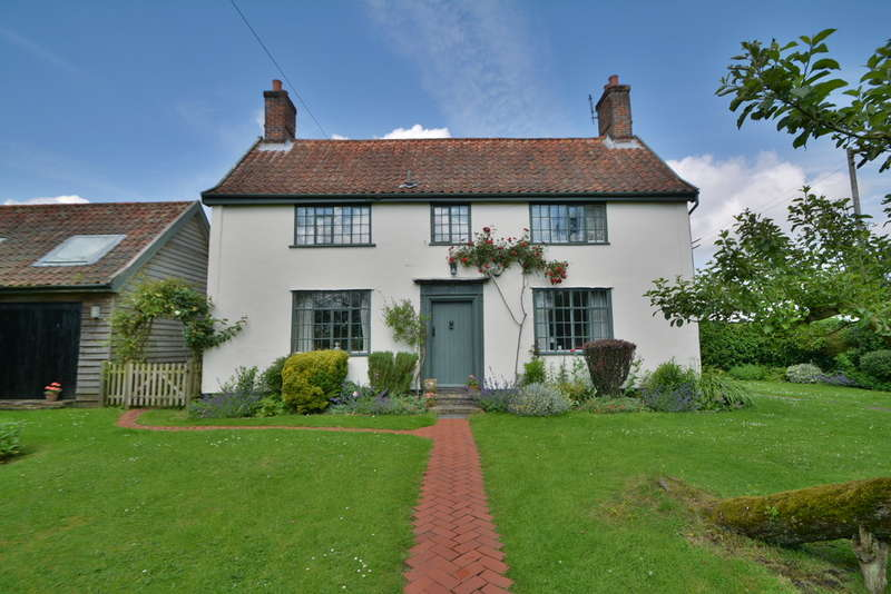 3 Bedrooms Detached House for sale in Yoxford, Saxmundham