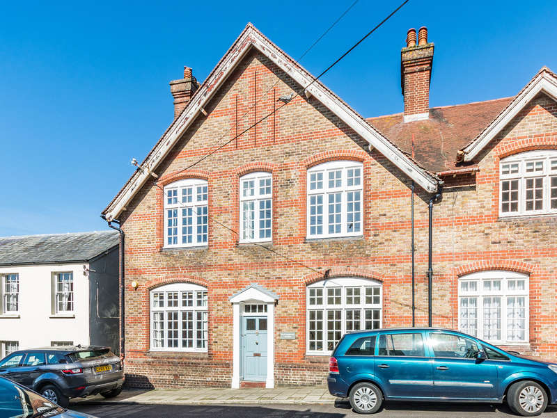 4 Bedrooms Semi Detached House for sale in King Street, Arundel