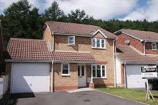 4 Bedrooms Detached House for sale in Swansea Property Agents are pleased to offer for sale this 4 bedroom detached property located in popular Cilfrew.