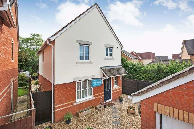3 Bedrooms Property for sale in Summerleaze Crescent, Taunton