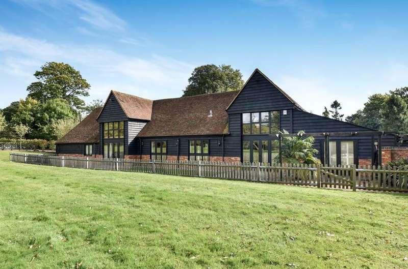 7 Bedrooms House for rent in Farnham Park Lane, Farnham Royal, Slough, Buckinghamshire, SL2