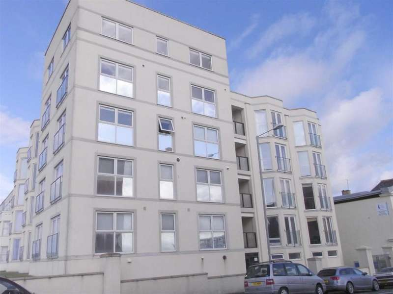 2 Bedrooms Flat for sale in West End Point, Pwllheli