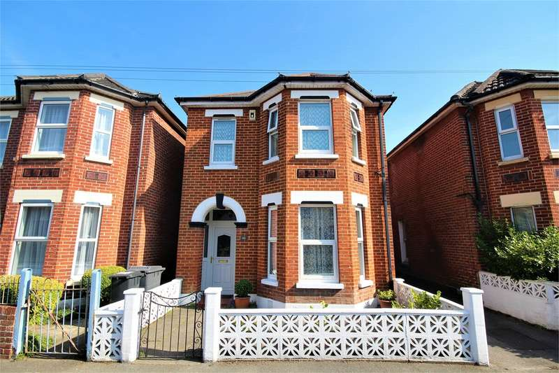 4 Bedrooms Detached House for sale in Gladstone Road East, BOURNEMOUTH, Dorset