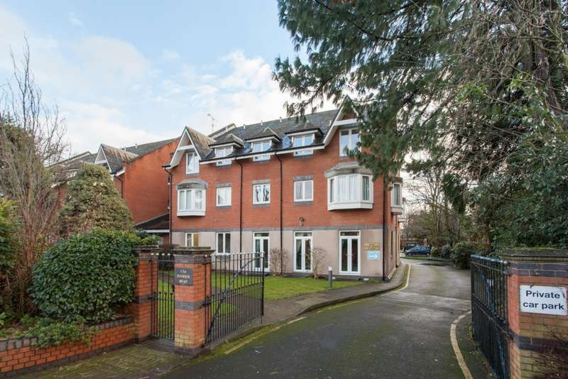1 Bedroom Flat for sale in Dulwich Mead, Half Moon Lane, Herne Hill, SE24