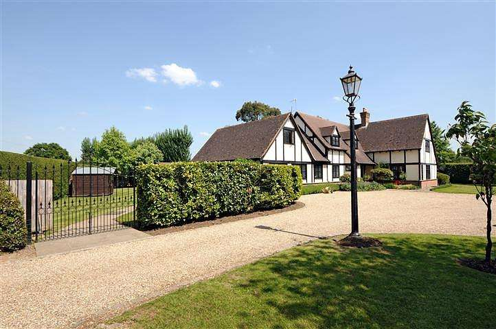 5 Bedrooms House for rent in Chobham Park, Chobham, Surrey, GU24