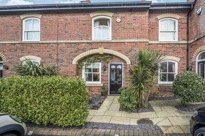 3 Bedrooms Terraced House for sale in Kingswood Park, Birkdale, Southport, Uk, PR8