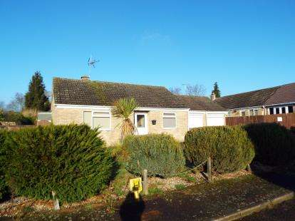 2 Bedrooms Bungalow for sale in Necton, Swaffham
