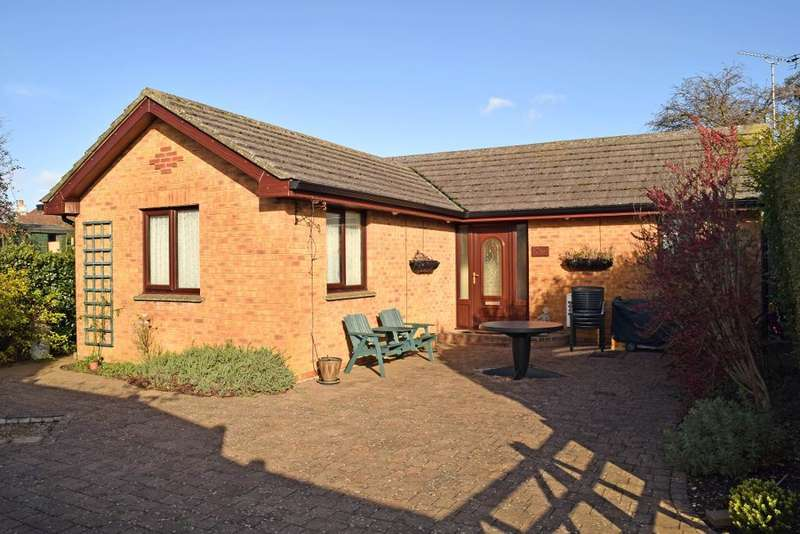 3 Bedrooms Detached Bungalow for sale in Steyne Road, Bembridge, Isle of Wight, PO35 5SL