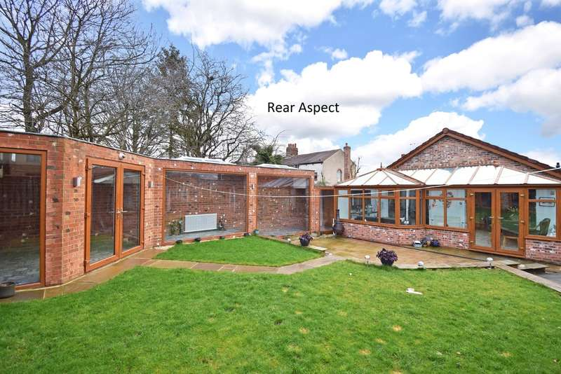 3 Bedrooms Detached Bungalow for sale in Rooks Nest Road, Stanley, Wakefield