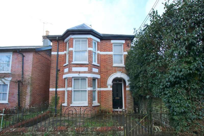 3 Bedrooms Detached House for sale in Queens Road, Lyndhurst, Hampshire