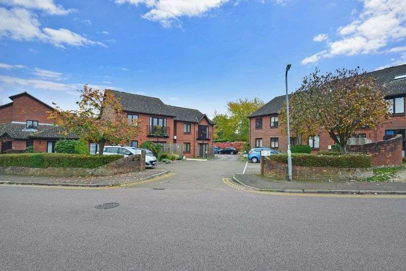 1 Bedroom Property for sale in St Augusta Court, St. Albans, AL3 5SS