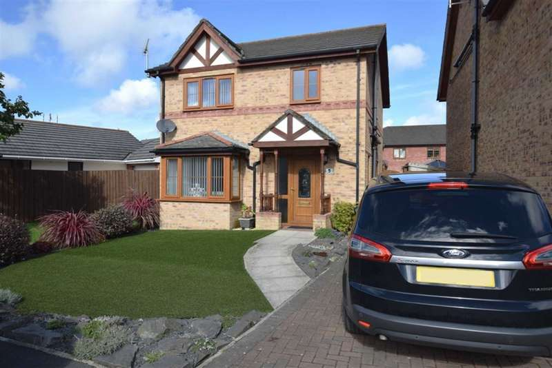 3 Bedrooms Detached House for sale in Tamworth Drive, Barrow In Furness, Cumbria