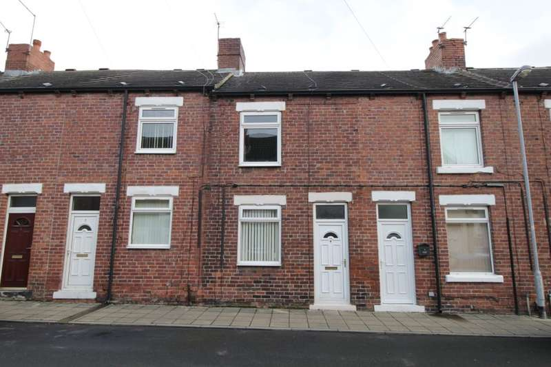2 Bedrooms Terraced House for sale in Grafton Street, Glasshoughton, Castleford, WF10